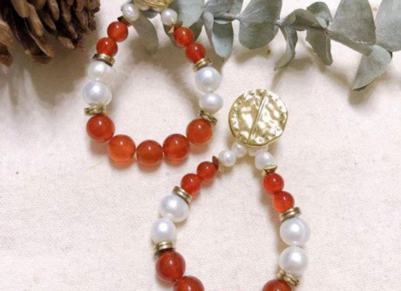 BO perles pierres rouges