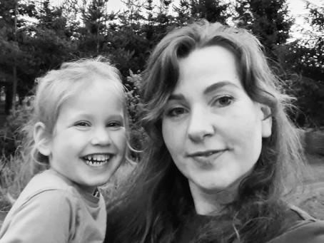 Švenčiame gimtadienį ir motinystę