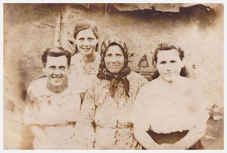 Mein Uhroma und Oma mit ihren Schwestern