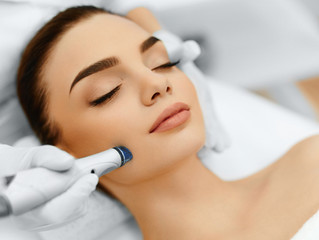 How to tell if you need Microdermabrasion