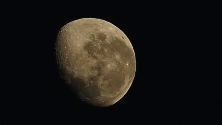 想影月光大特寫?