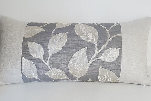 Coussin lin naturel avec insertion  feuilles 12po x 24po