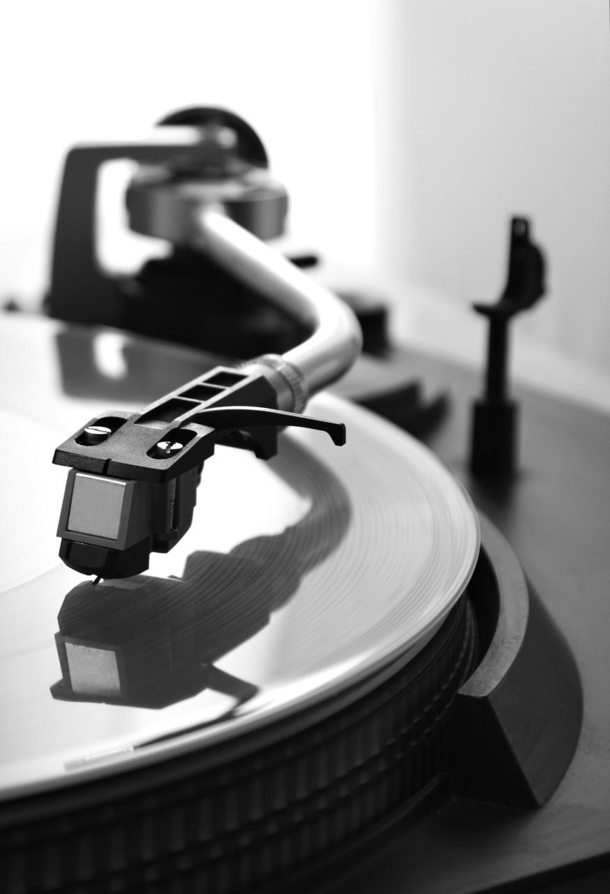 昔はレコード針をちょんちょんと落としながら曲を探した