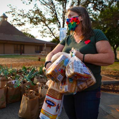 Una-Vida Leader Inspires Army Of Volunteers To Feed Petaluma
