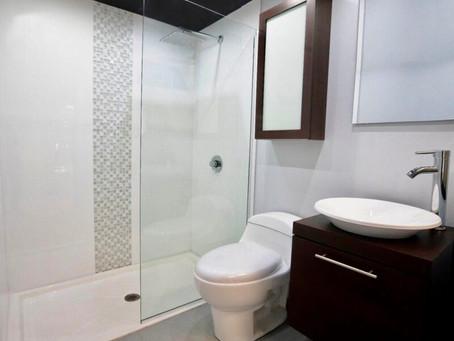 Los baños y las personas con impedimentos