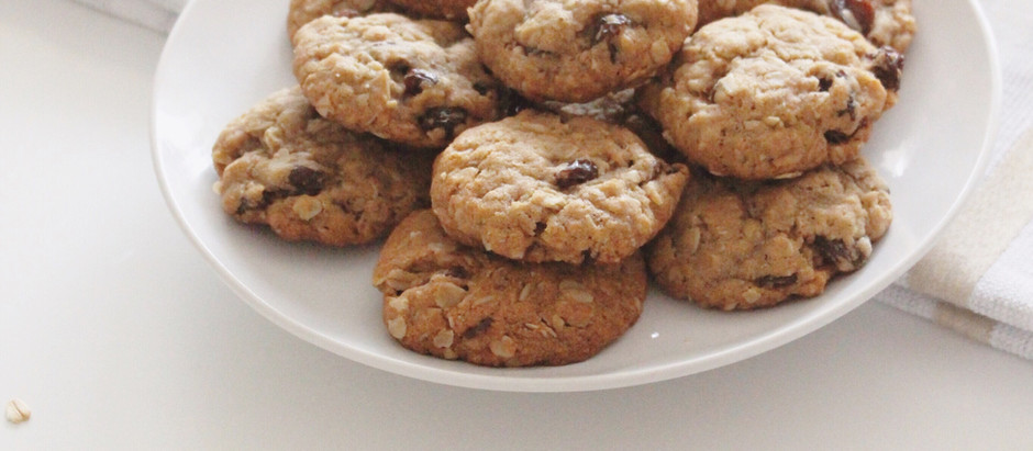 Soft & Chewy Vegan Oatmeal Raisin Cookies