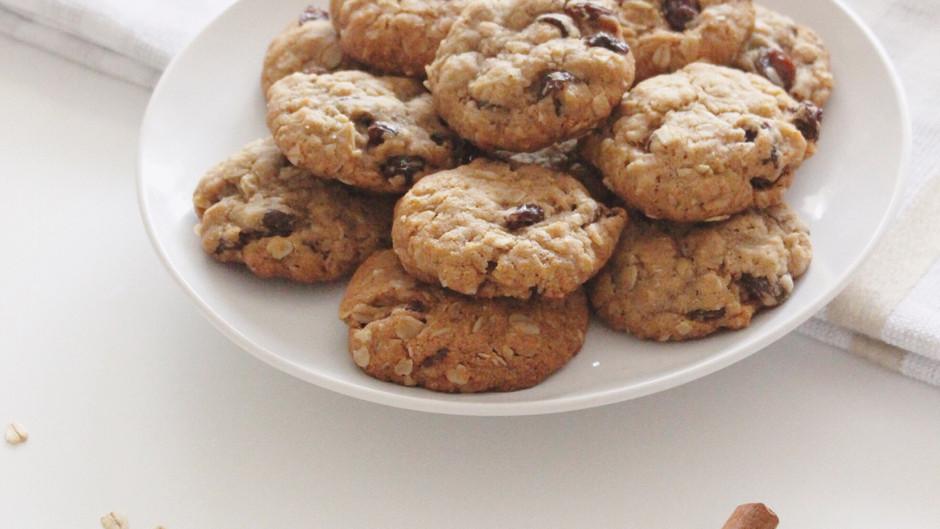 Soft & Chewy Vegan Oatmeal Raisin Cookies