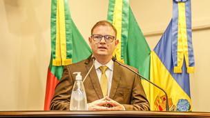 Joel da Silva Reis toma posse e é o novo vereador da Câmara de Gramado