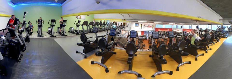 Laufbänder, Crosstrainer, Fahrräder, freie Hanteln und Gewichte in ausreichender Anzahl - für wenig Wartezeiten