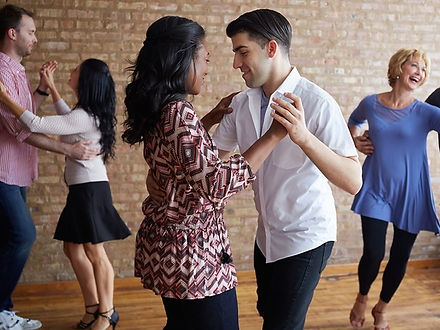 Salsa group classes for beginners