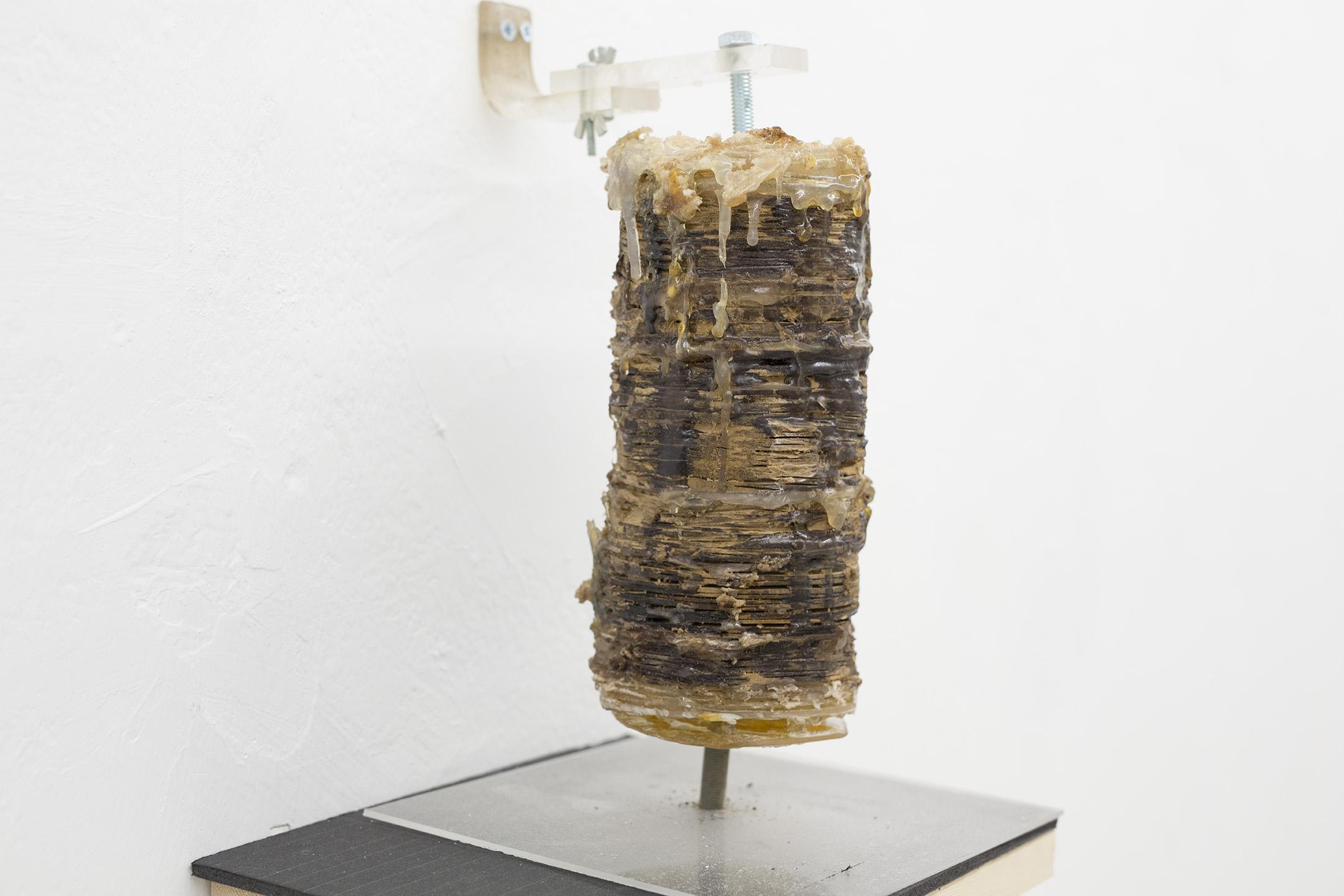 שווארמה 2 (2012), עץ דבק חם ופוליאסטר