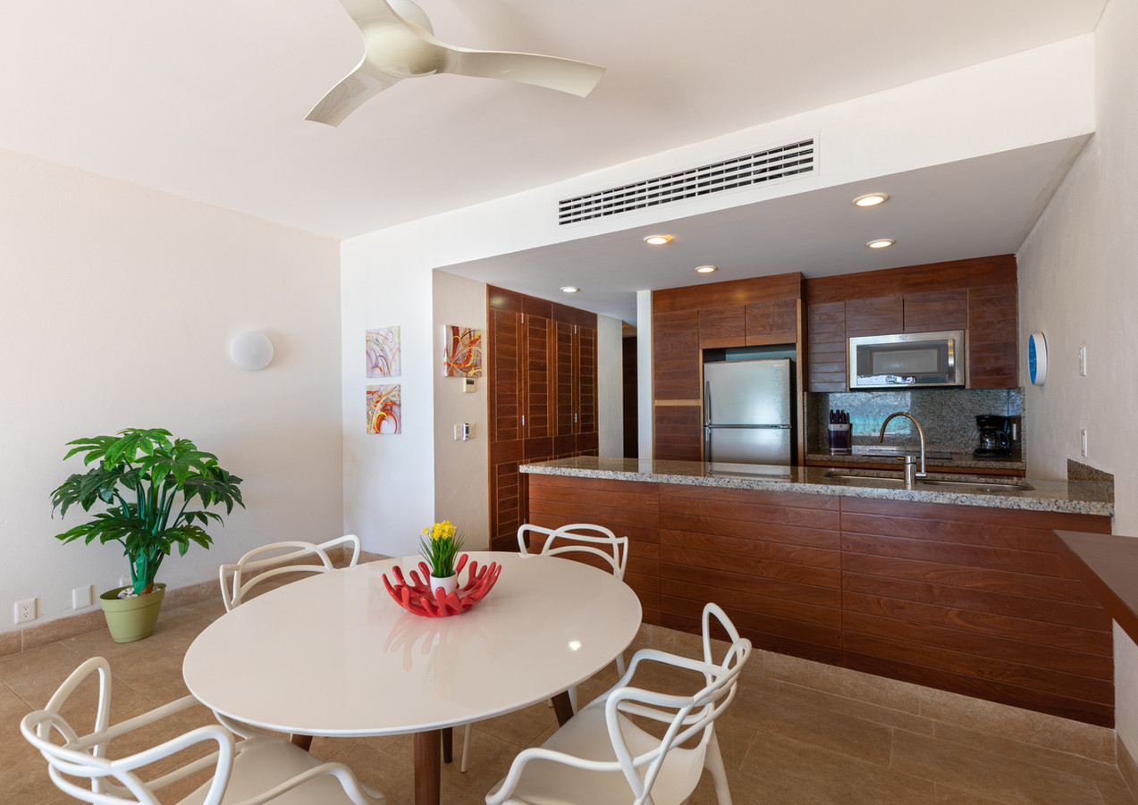 Sotavento Isla A12 Kitchen + Dining Room