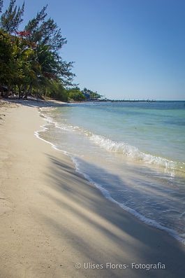 Isla Mujeres beach shoreline.