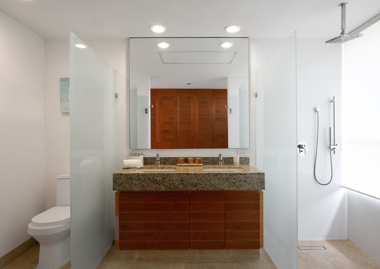 Sotavento Isla B17 Master Bathroom (3).j