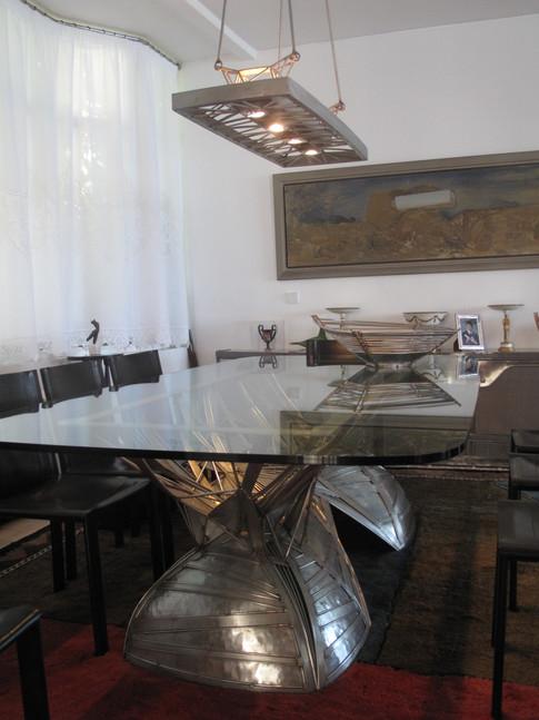 Τραπεζαρία/Dining table
