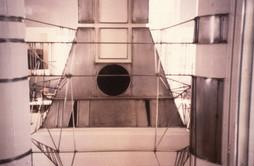 Ατσάλι, χρωματιστό γυαλί. 1990  Steel, coloured glass. 1990