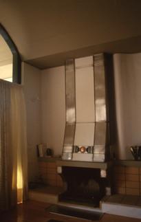 Ατσάλι, μπρούτζος, χρωματιστό γυαλί. 1997  Steel, bronze, coloured glass. 1997