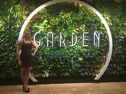 Meet me at the Garden_