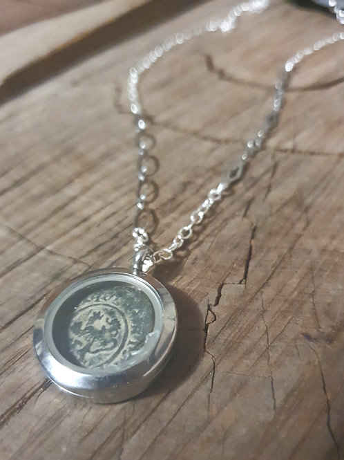 Cob Coin Treasure Locket ◇ 4 Maravedís