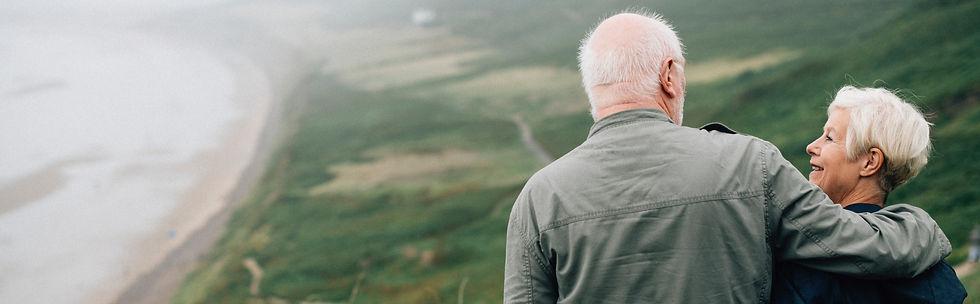 couple-daylight-elderly-1589865-e1560265