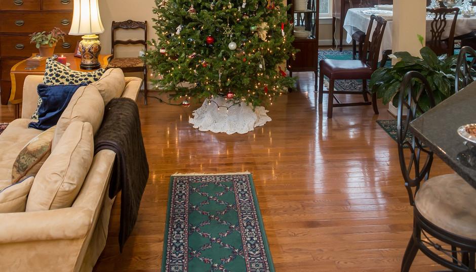 Formal Living Room Christmas tree.jpg
