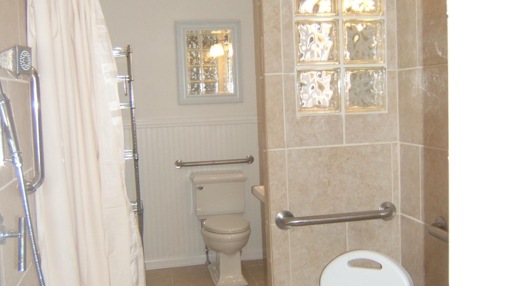 bathroom Roudabush 009.jpg