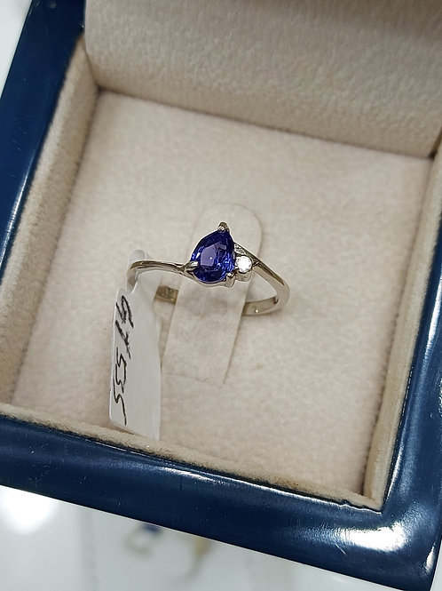 Ring in whitegold with tanzanite and diamonds