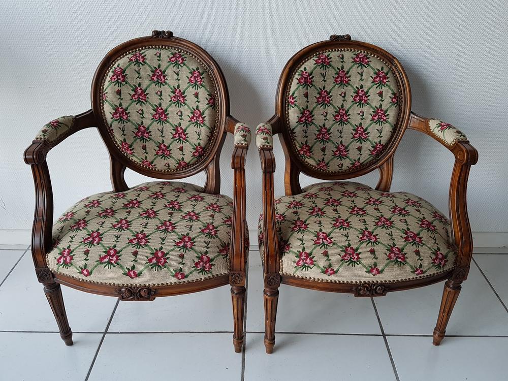 Paire de fauteuil de style Louis XV