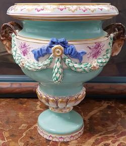 Vase en porcelaine fin XIXe
