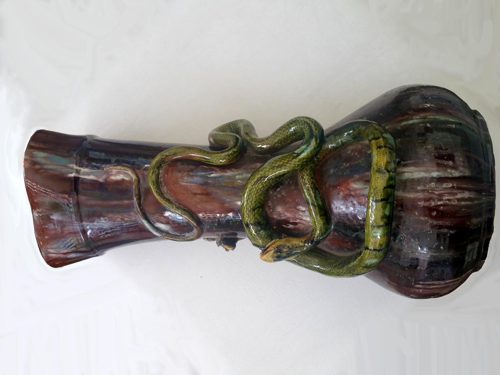 Grand vase en Barbotine