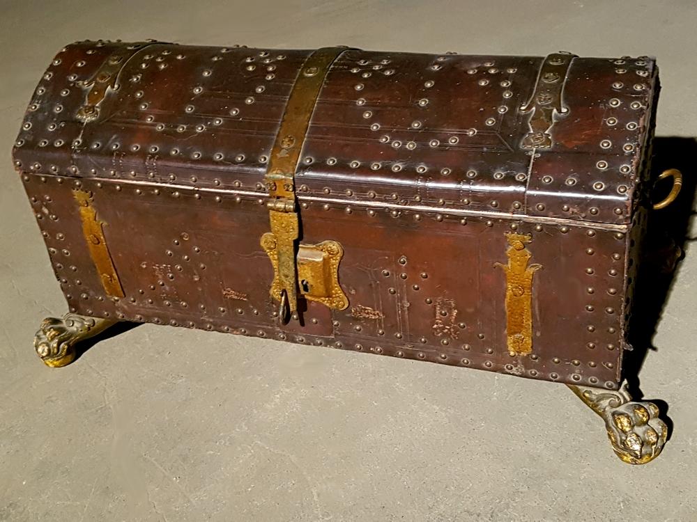 Coffre bombé 18-19e siècle