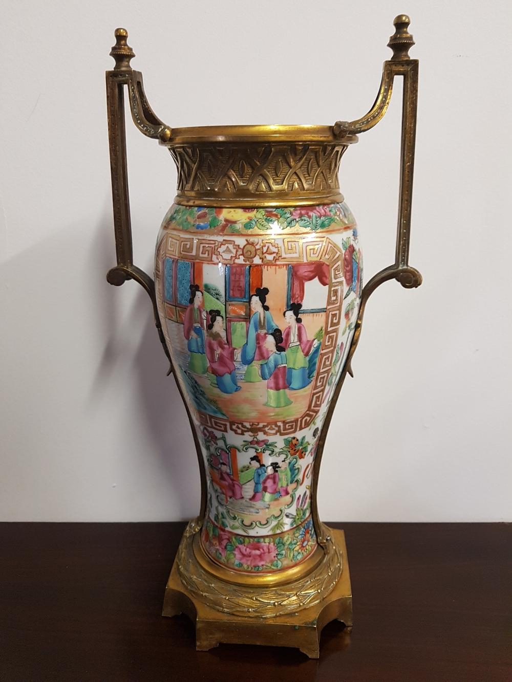 Vase en porcelaine de Canton