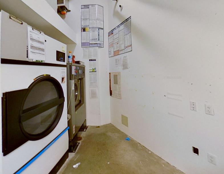 23500-Park-Sorrento-Calabassas-Laundry.j
