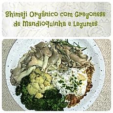 Shimeji com Gregonese de Mandioquinha e Legumes