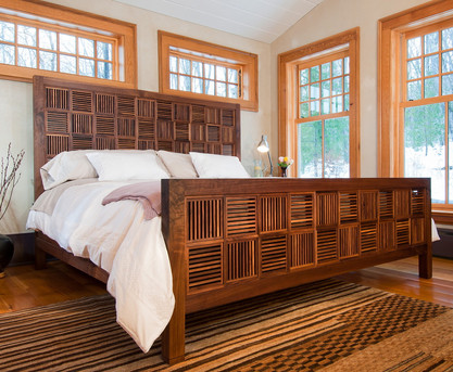Walnut Bed / Reid Dalland Photography