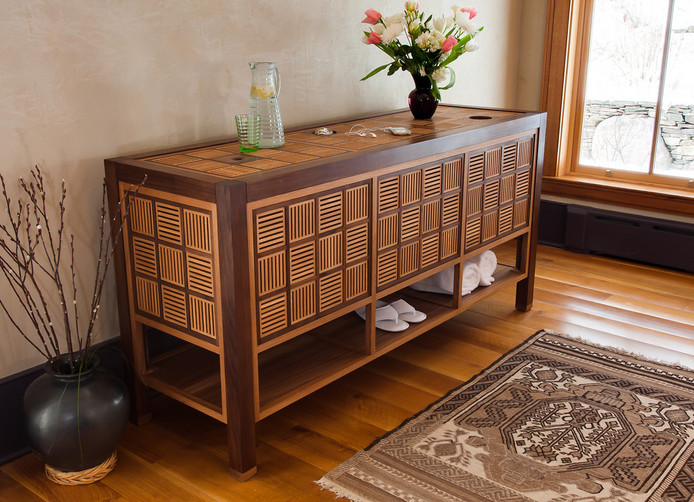 Walnut and Oak Chest of Drawers / Reid Dalland Photography