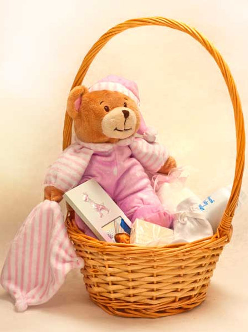 BABY GIRL BASKET