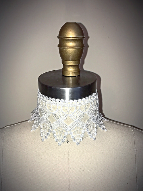 Dramatic White Lace Choker
