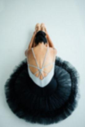 ballet-dancer-dancer-female-1820147.jpg