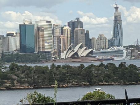 Sydney: Bridges and Pubs