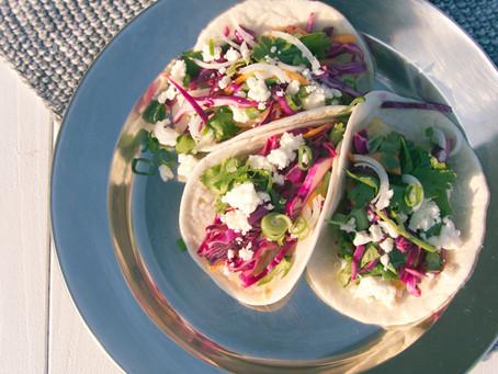 Tacos de poisson, mangue et coriandre