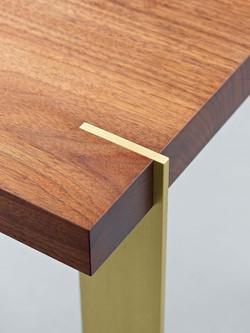 מחבר עץ בשולחן עבודה