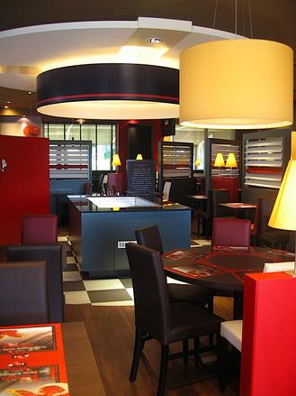 Aménagement intérieur pour le restaurant Poivre Rouge