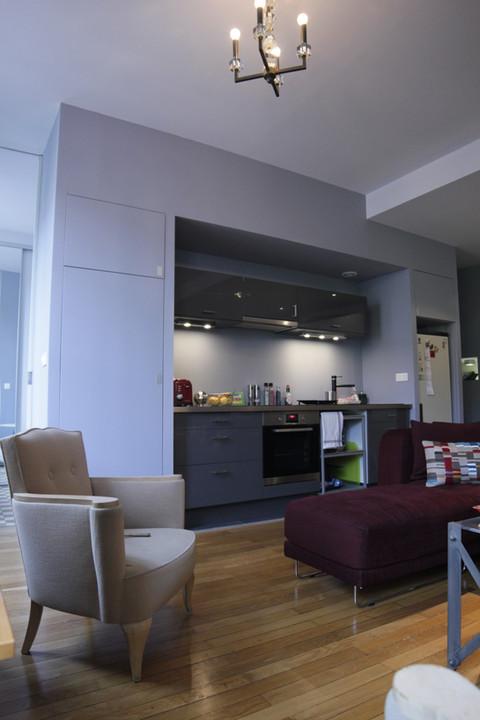 un espace contemporain dans un viel appartement