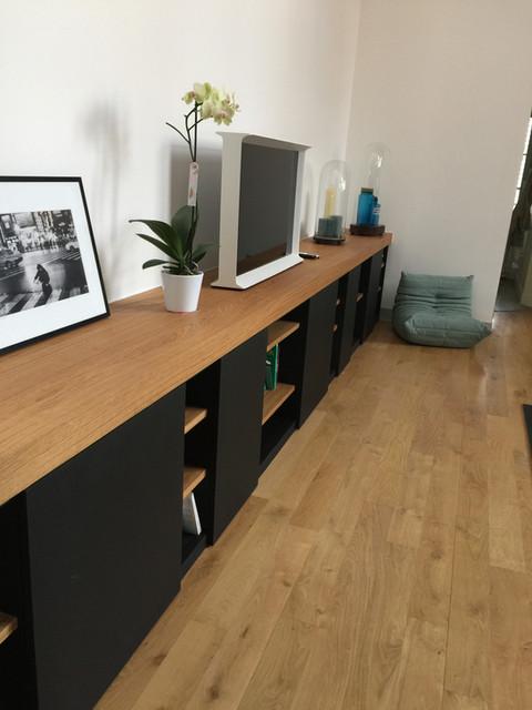 un grand meuble de salon sur mesure en bois massif