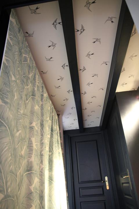 plafond papier peint graphique