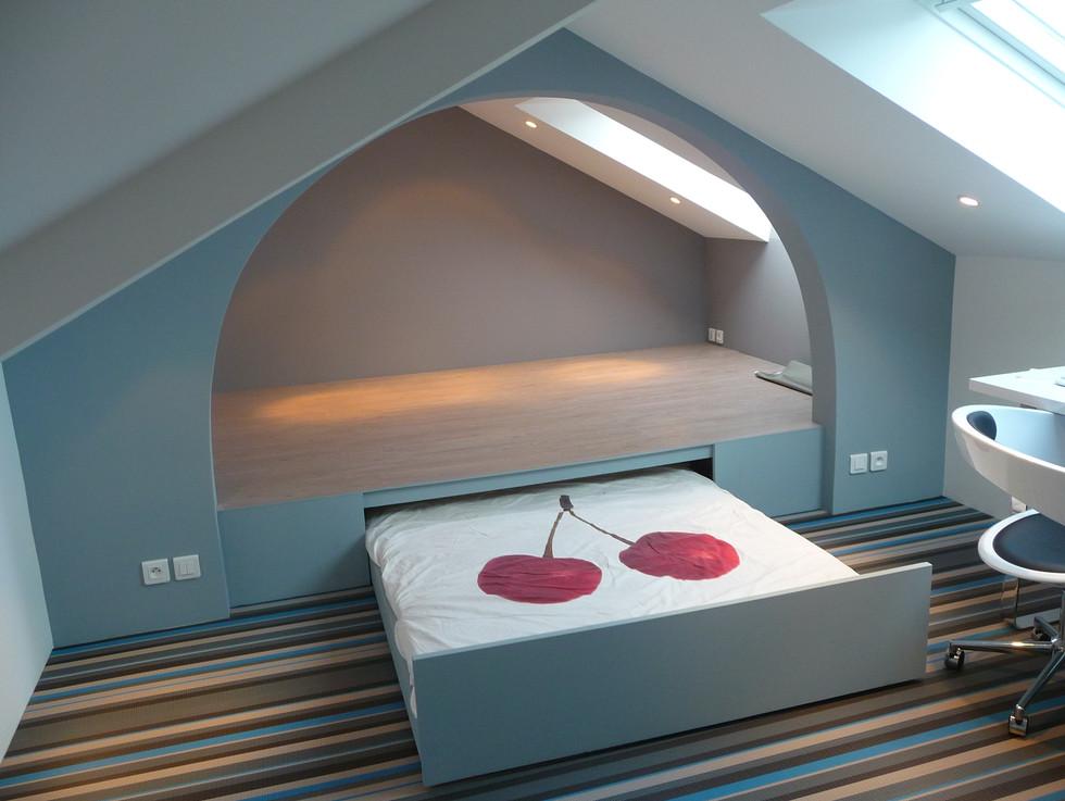lit dans estrade sur mesure pour chambre d'amis