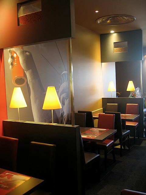 espace intimiste restaurant Poivre Rouge