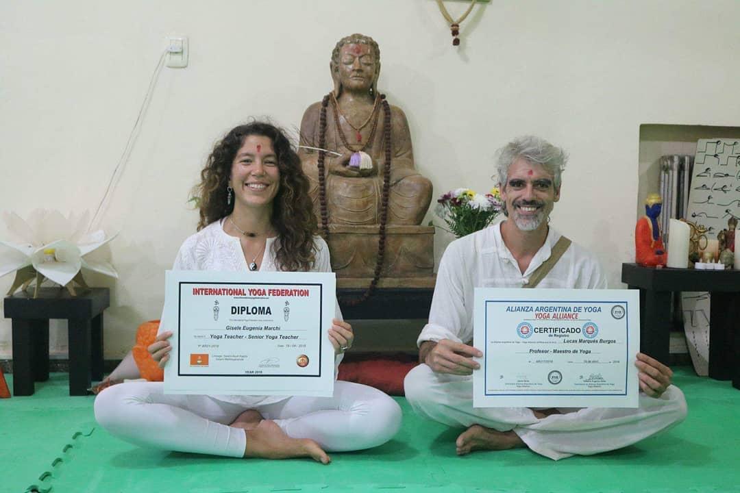 Titulo Internacional de Yoga