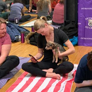 Puppy-Yoga-25.jpg